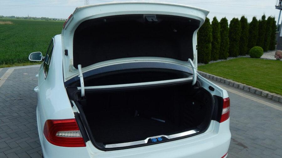 Skoda SuperB II Sedan